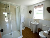 Meadow Cottage shower room